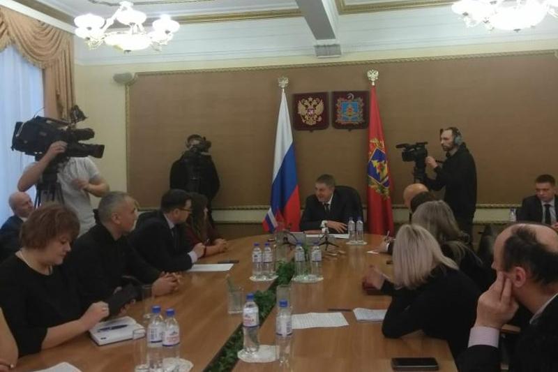 Губернатор отметил планомерную работу «Чистой планеты» во время встречи с журналистами
