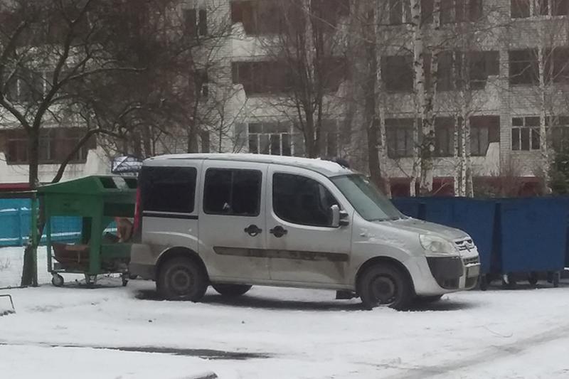 Транспортировщики отходов не могут качественно выполнять свою работу из-за брянских автохамов