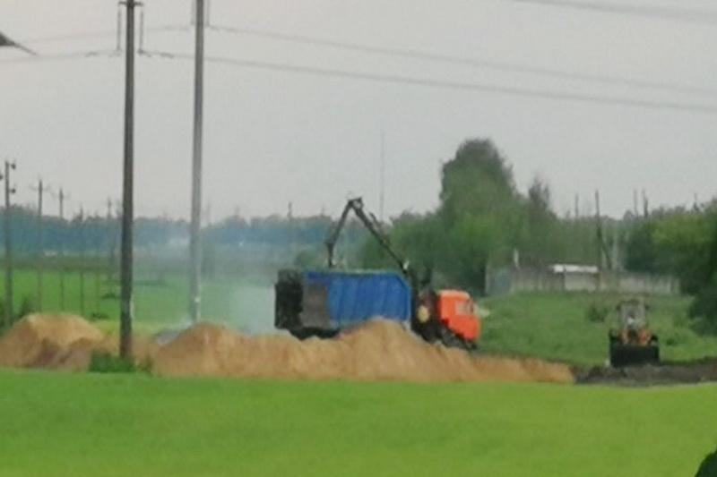 В поле, чистое поле…